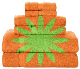 Green and orange towel sets